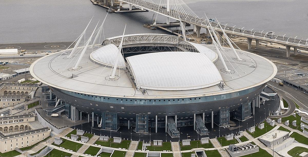 Стадион Газпром Арена на 62 000 человек