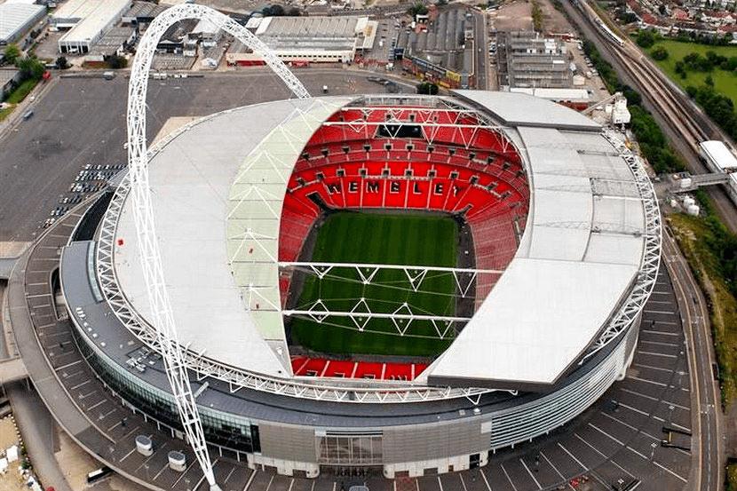 Стадион Уэмбли на 90 000 человек